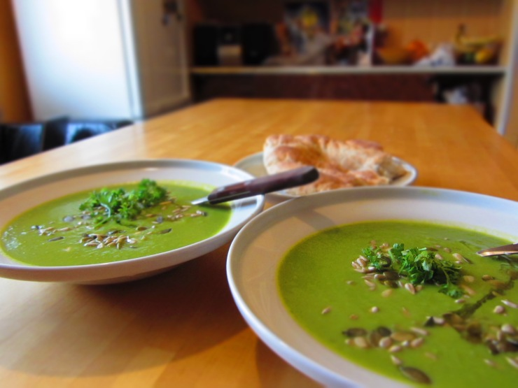 Green pea - broccoli soup
